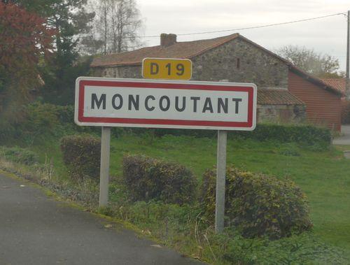 http://serveur2.archive-host.com/membres/images/1336321151/balades/Moncoutant/2012/1-0.jpg