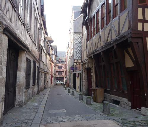 http://serveur2.archive-host.com/membres/images/1336321151/balades/Rouen/r0.jpg
