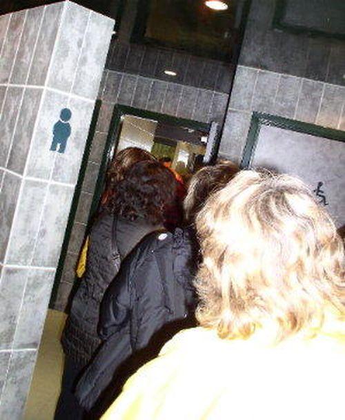 http://serveur2.archive-host.com/membres/images/1336321151/balades/aef/aef2013/div/aef6-toilettes.jpg