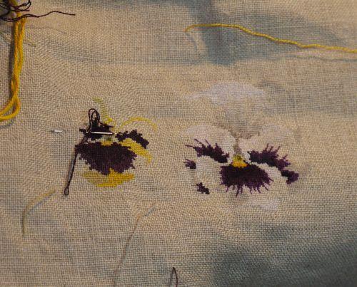 http://serveur2.archive-host.com/membres/images/1336321151/fleurs/Violas/Vilmo/v2-2.jpg