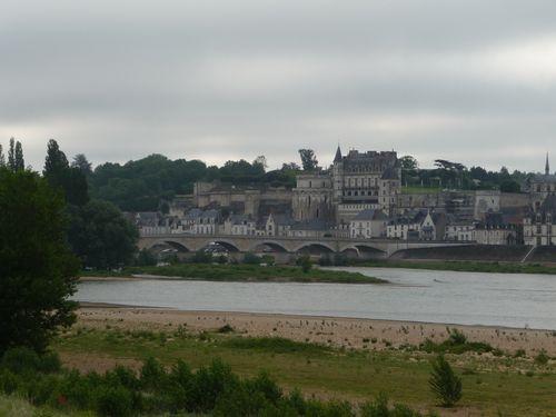 http://serveur2.archive-host.com/membres/images/1336321151/mth/amboise/chateau_d_amboise.jpg